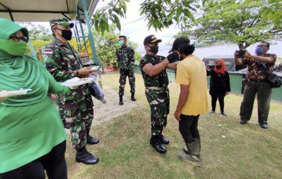 Peduli Ditengah Pandemi, Danrem 121/Abw Brigjrn TNI Ronny S.A.P Galakan Jumat Berkah
