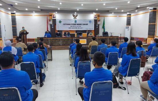 41 Mahasiswa IKIP PGRI Pontianak KKN di Sintang