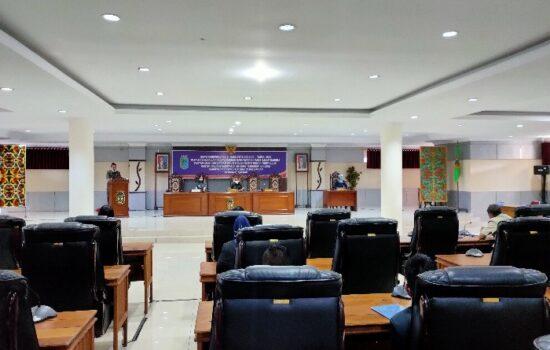Seluruh Fraksi DPRD Sintang Setuju Raperda Pengelolaan Keuangan Daerah Dibahas